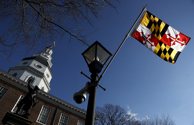 Maryland state capitol and state flag