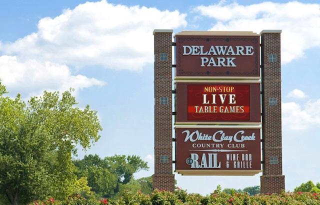 Delaware Park sign